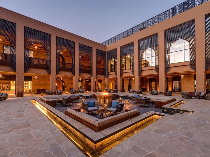 S&T executed the turnkey Anantara Al Jabal Al Akhdar Resort and Spa project, giving it spectacular finishes